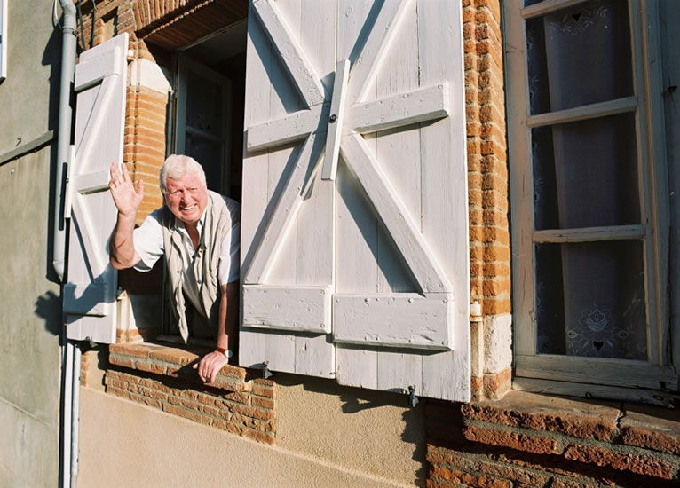 Tom and Sue lived in an old village house near Toulouse in SW France