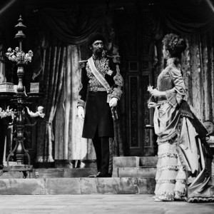 "Tom as the Prince of Morocco in ""The Merchant of Venice"" directed by Jonathan Miller. ©V&A Images/V&A Theatre Collections"